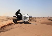 Julien Welsch ripping out the desert with his sportbike!