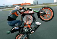 Amazing Stunt Riding On a KTM!!