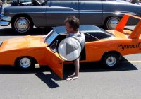 1970 Plymouth Superbird, an exact 1:2 replica!
