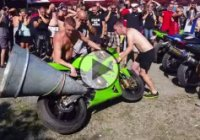 Cover your ears! The loudest motorcycle exhaust noise ever!