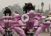 Spectacular motorcycle performance at Republic Day Parade in India!