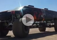 """Sin City Hustler"" – the coolest Limo/Monster Truck ever made!"