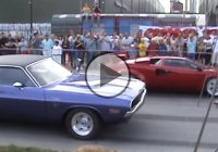 Drag race between the well known Hemi Challenger and a Lamborghini Countach!