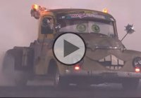 Mater V8 Tow truck doing a huge burnout!