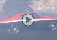 A 1970 Chevelle SS with 700rwhp is doing some crazy donuts!!!
