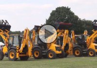 JCB Digger Dance at the Elvaston Castle Steam Rally!!! Bravo!