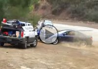 GTO driver loses control of the car and crashes into parked motorcycles!!