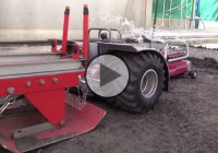 """Red Dragon"", the RC tractor that spits smoke!"