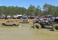 """Trucks gone wild"" at Redneck Mud Park – Punta Gorda, FL!"
