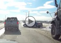 Reckless Honda driver loses control and ends up spinning out!