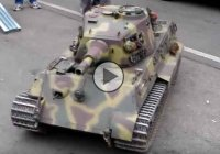 1/4 scale model King Tiger RC tank – awesome toy!