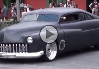 A 1951 Ford Mercury with air suspension setup! Hot or not?