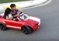 Teach them while they're young! A kid is drifting his Mustang like a boss!