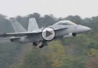 Check out the IA 63 Pampa Fighter Jet and its incredibly low pass!