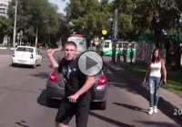 Russian road rage can go even further than you'd expect – a man pulls out an ax and a pistol!