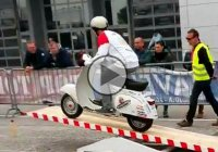 Boy On A Moped Owned The Moto-Trial And Shocked Everyone With His Skills!