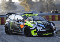 Valentino Rossi 'attacks' the car-drifting section-The Monza Rally Show!