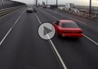 Toyota Sprinta AE86 high-speed drifting across 4 lanes of traffic!