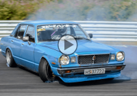 2JZ Toyota Cressida JZX30 has no problem going sideways!