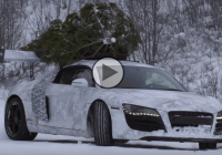 Audi R8 with Christmas tree on roof drifting on snow!