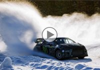 Fire spitting rallying car goes against Gatebil on ice!