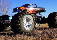 KK2 Goliath RC mud truck can tear up any terrain!