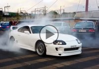Mad Toyota Supra doing burnouts and drifts!