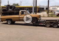 Redneck trailer loading – The wrong way of doing it!