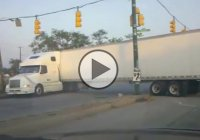 Truck gets stuck at a U-turn! Hilarious fail!