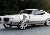 Custom 1972 Oldsmobile Cutlass on 24″ Savini wheels!!