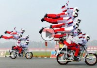 Indian military riders are the stunters of the century!