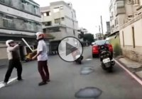 Road rage solved by a martial art practitioner the right way!