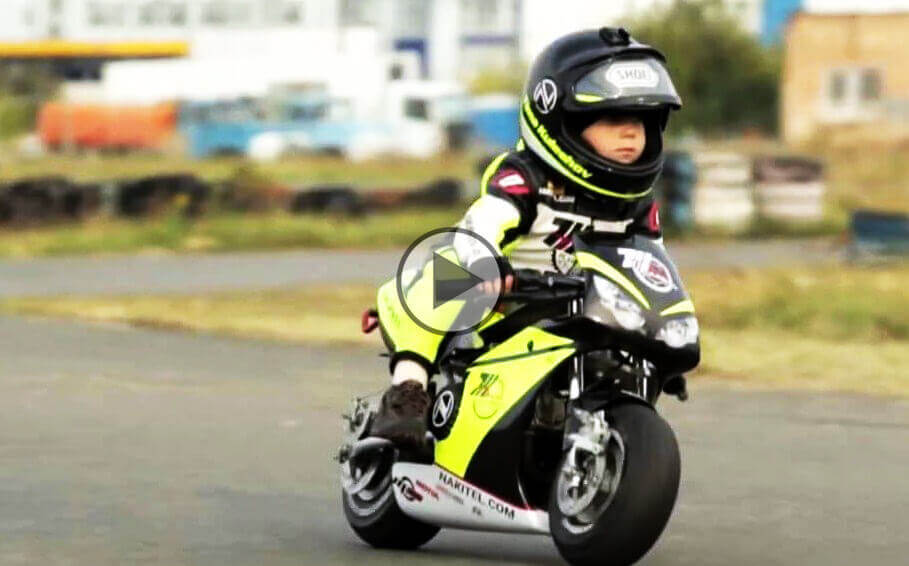 2 year old motorcycle racer