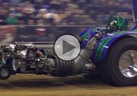 Monster tractor with 4500 HP at a Tractor Pulling Championship!