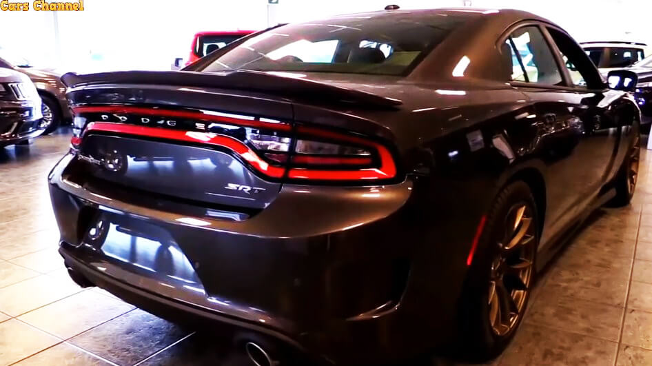 2017 Dodge Charger – tough, modern and powerful SRT Hellcat