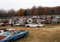 Mopar Graveyard – A shopping mall for gearheads!