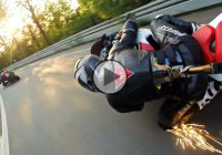 Suzuki GSX R 1000 vs. Yamaha R6 – Best camera angle ever!