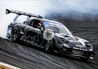 Mad Mike Whiddett takes the glory at Drift Japan with his RX7!