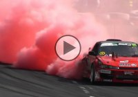 Nissan S13 drifting – red smoke is coming out of the tires!