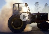 Tractor drifting – because why the hell not? :)