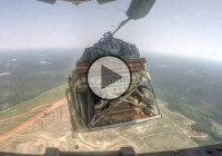 Humvee Airdrop From C-17 – This Is How The US Army Does It!