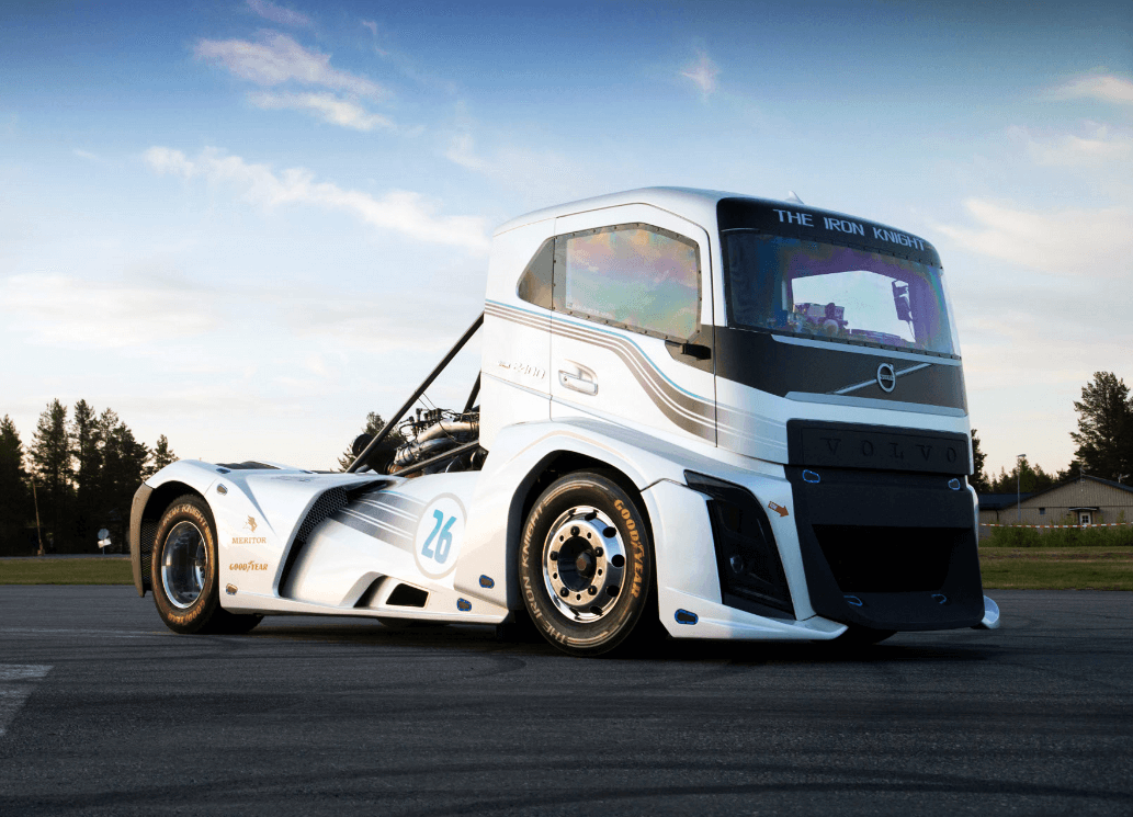 fastest truck in the world the 2 400 hp volvo 39 iron knight 39 in action. Black Bedroom Furniture Sets. Home Design Ideas