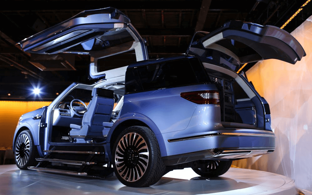 Lincoln Navigator Concept Steals The Spotlight With Its