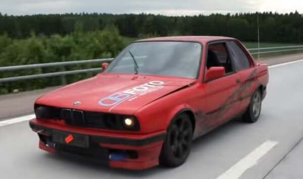 BMW E30 drifting