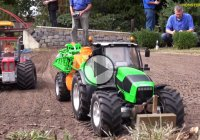 RC tractors : Hyper realistic, useful and incredibly fun to play with!