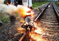 Railroad thermite welding – How are rail lines joined?